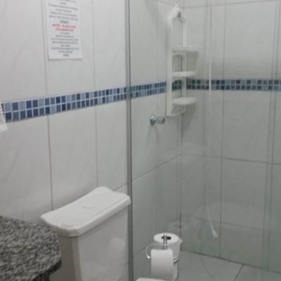 pousada-flores-do-lazaro-quarto-banheiro3